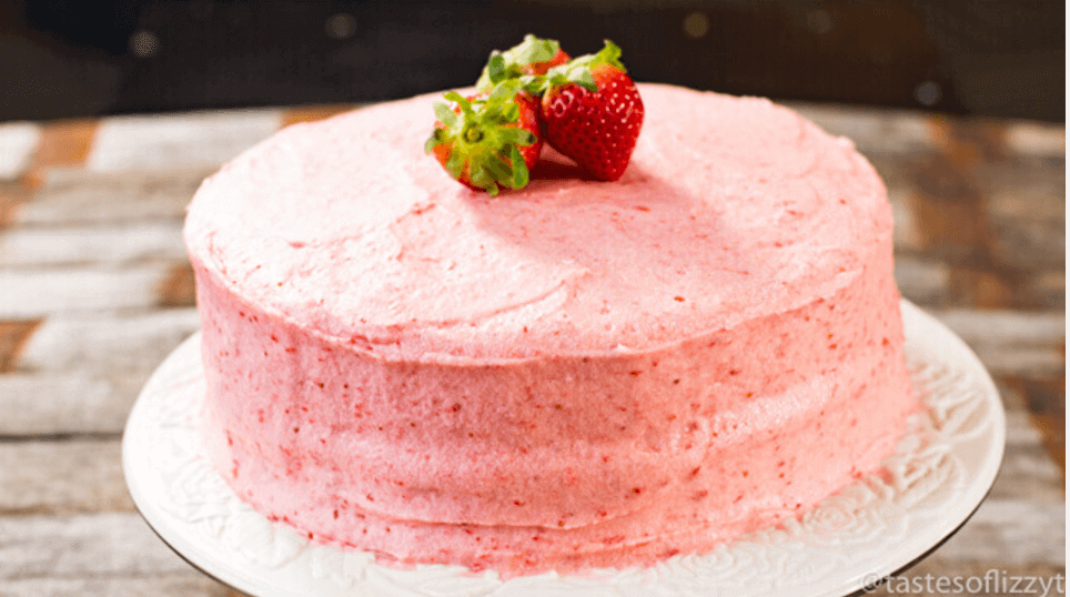 Freezer Cake Recipe In Urdu: From Scratch Strawberry Cake {Made With Fresh Strawberry