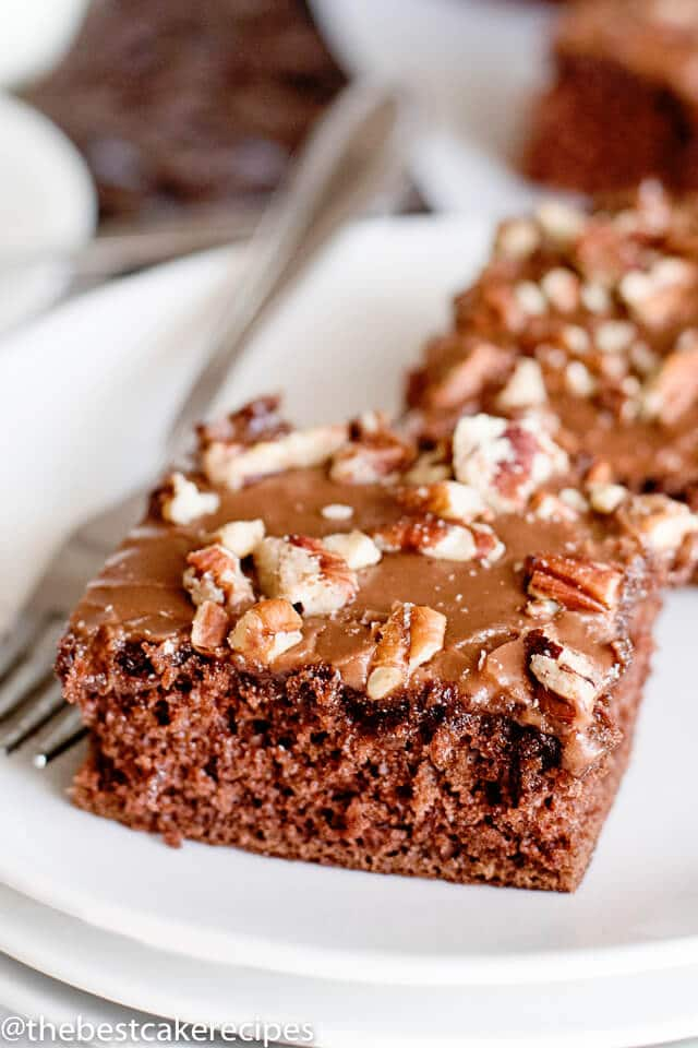 Easy Sheet Cake Brownie Recipe