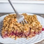 raspberry cake with streusel topping