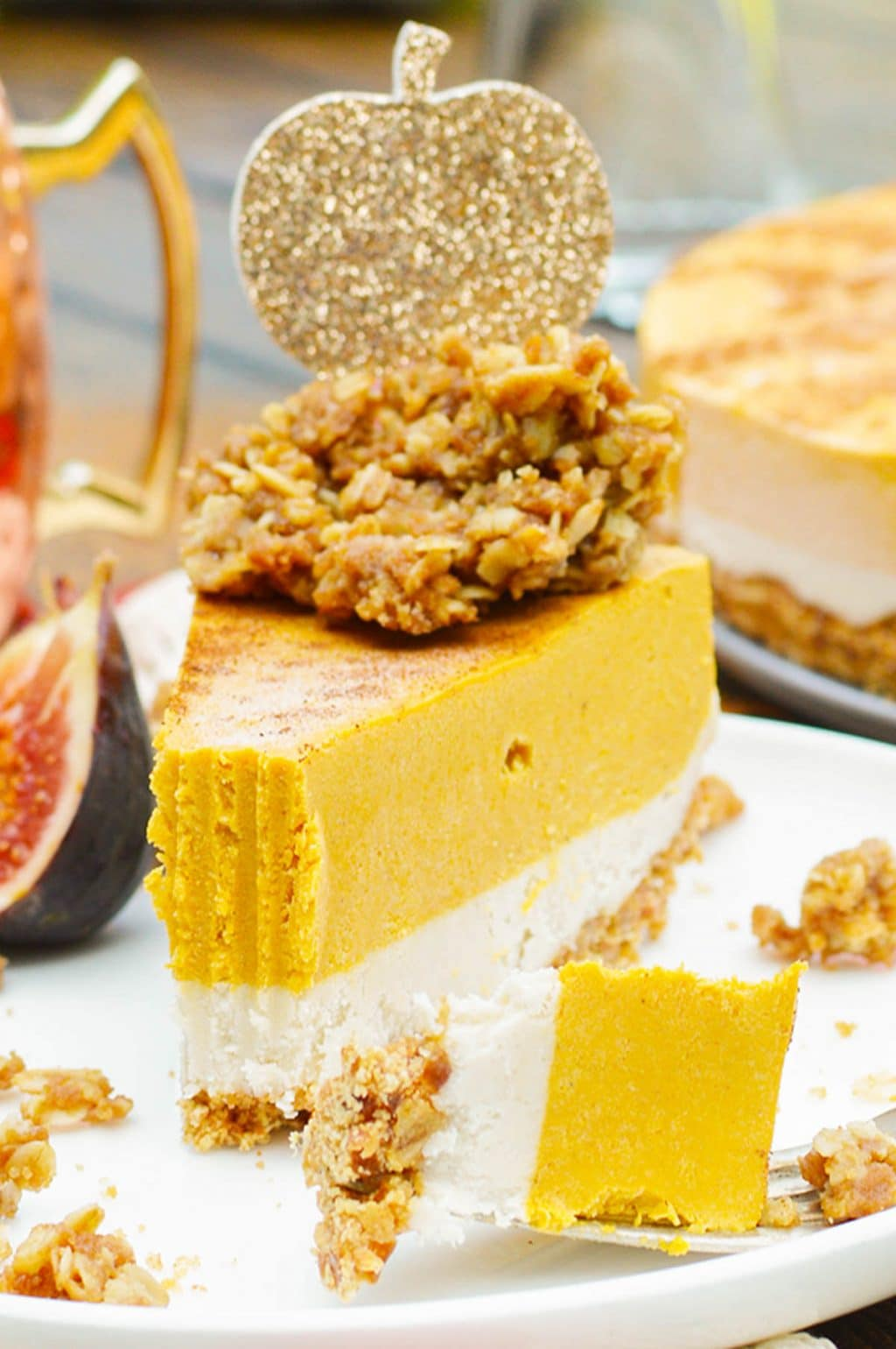 Vegan Pumpkin Pie with streusel topping